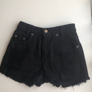 BLACK HIGH-WAISTED SHORTS LEVI'S